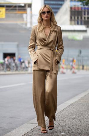 Фото №2 - Модная инвестиция: 10 предметов гардероба, на которых нельзя экономить