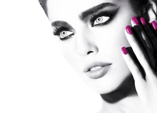Фото №1 - Colorama by Maybelline New York: для естественного и подиумного макияжа
