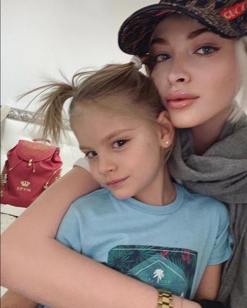 Фото №1 - 6-летняя Алиса Юнусова раскрыла секрет своей худобы