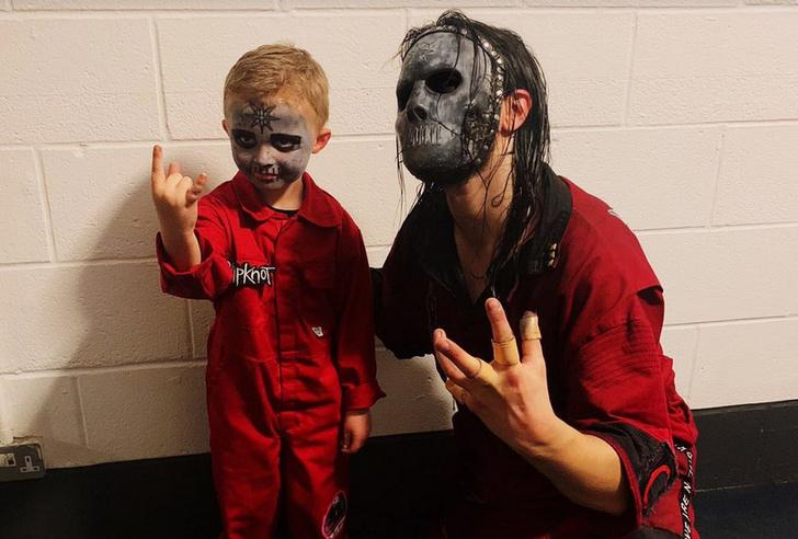 Фото №1 - Пятилетний фанат Slipknot так отжигал на концерте, что покорил своих кумиров. А заодно и Интернет (видео)