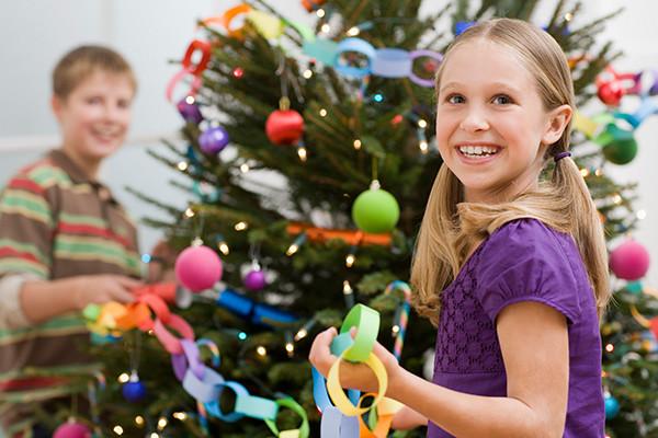 Фото №2 - Детские елки в Астрахани: куда повести ребенка?