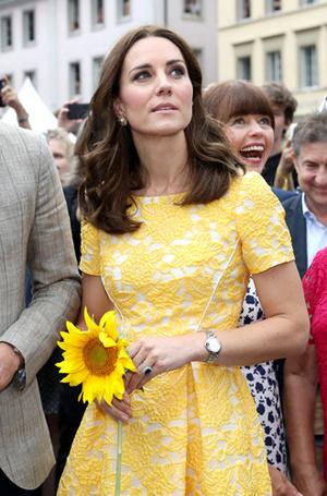 Фото №14 - Немецкие СМИ признали Кейт Миддлтон второй принцессой Дианой