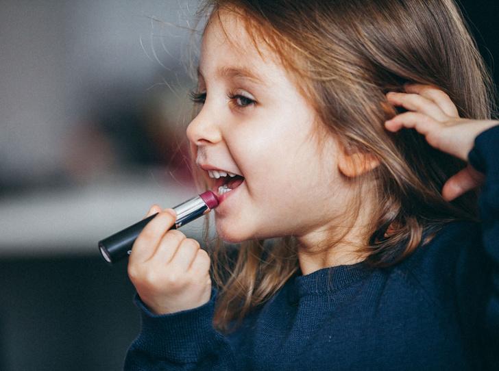 Фото №1 - Детская косметика: за и против