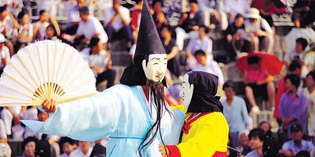 Фото №1 - Самые прикольные фестивали в мире 🎆