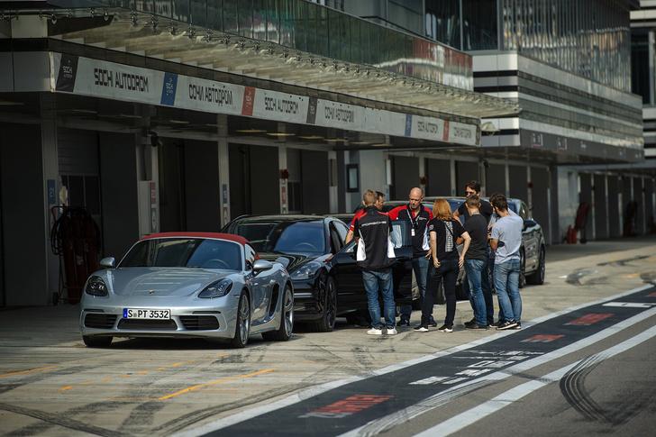 Фото №7 - Вирус Porsche: как прокатиться на всех моделях автомобильного бренда за один день