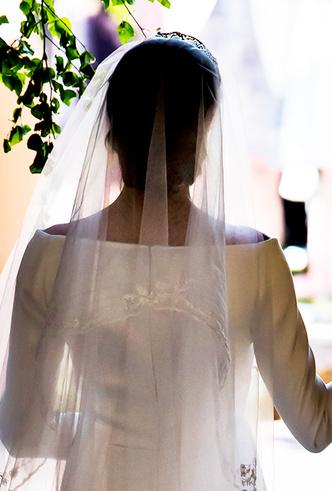 Фото №7 - От Одри Хепберн до Меган Маркл: знаменитые невесты в платьях Givenchy