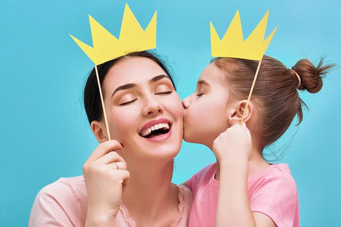 Фото №1 - Одна неделя из жизни мамы: бьюти-эксперимент Parents.ru