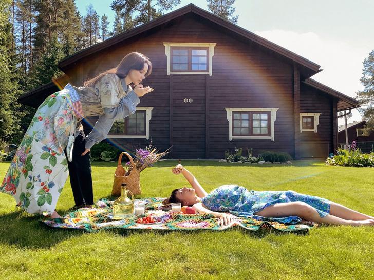 Фото №2 - Идеальные выходные на даче с сестрами Настей и Ариной Шевцовыми