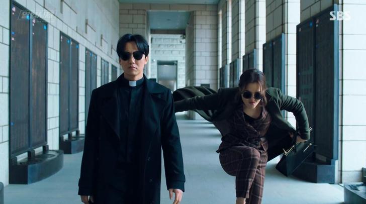 Фото №2 - Классные корейские дорамы, похожие на сериал «Винченцо» 🕴🏻