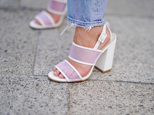 Фото №18 - Базовая обувь на лето: 4 варианта на все случаи жизни