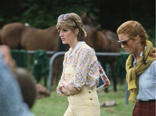 Фото №2 - Роковая неловкость: какой была первая встреча принца Эндрю и Сары Фергюсон