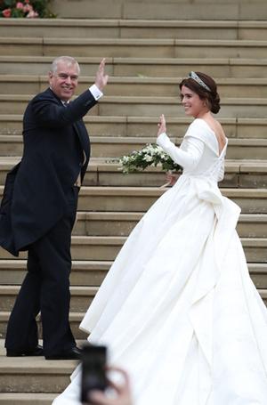 Фото №17 - Война невест: Меган Маркл или принцесса Евгения?