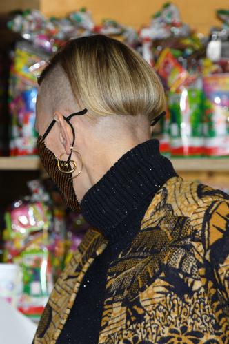 Фото №6 - А так можно было? Принцесса Монако Шарлен побрилась налысо