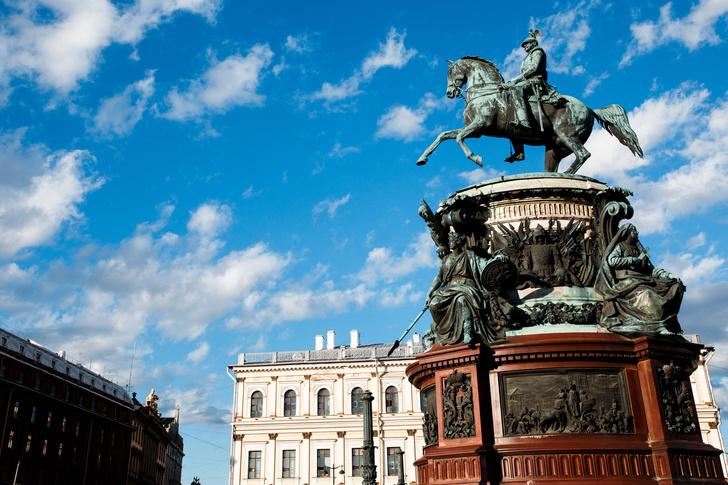 Фото №1 - Где провести выходные: 5 причин поехать в Санкт-Петербург