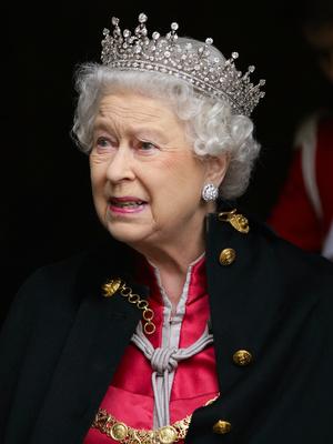 Фото №5 - Неожиданная причина, почему королевские особы не любят носить тиары
