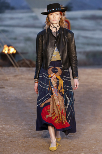 Фото №8 - Woman Power: круизная коллекция Dior 2018