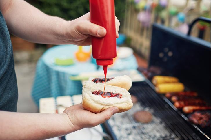 Фото №1 - Ученые придумали, как выдавить весь кетчуп из пластиковой бутылки