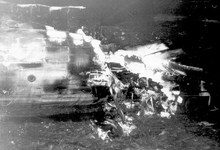 Фото №3 - Как советский пилот поспорил, что посадит самолет вслепую, и убил 69 человек