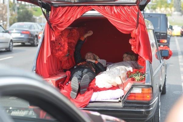 Фото №2 - «Богомолов и Собчак — закрытая тема»: Дарья Мороз отказывается говорить о свадьбе экс-супруга