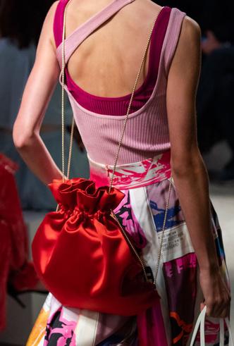 Фото №15 - Самые модные сумки весны и лета 2020