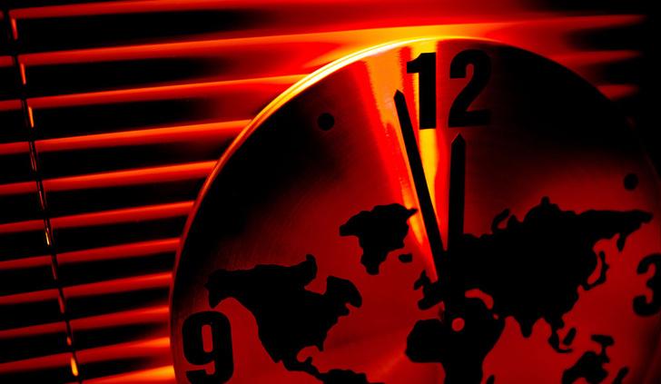 Фото №1 - Стрелки «Часов Судного дня» приблизились к полуночи еще на 30 секунд