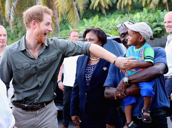 Фото №24 - 25 фотодоказательств, что принц Гарри будет отличным отцом