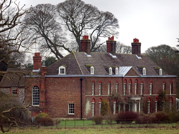 Фото №2 - Как сегодня выглядит дом Кембриджских, и что в нем изменила Кейт