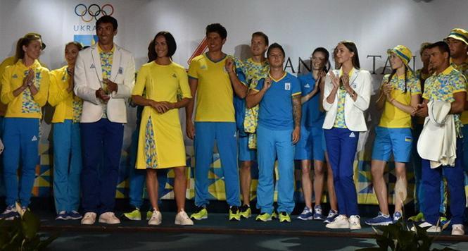 Фото №23 - От Лубутена до H&M: самая обсуждаемая форма олимпийцев-2016