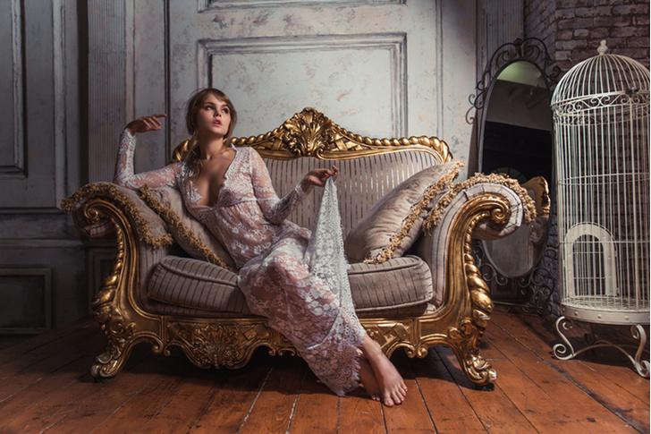 Фото №3 - Сила обольщения: что нужно знать о будуарном платье