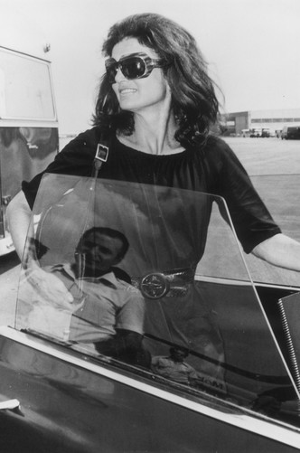 Фото №8 - Любимые солнцезащитные очки Жаклин Кеннеди
