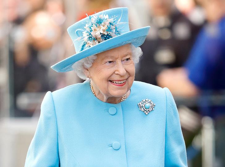 Фото №1 - Может ли королева Елизавета II получить титул императрицы?
