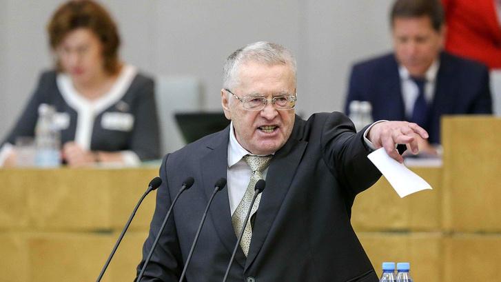 Фото №1 - Жириновский предложил изменить гимн, на что Михалков предложил заменить Жириновского