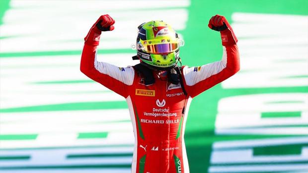 Фото №5 - Михаил Михайлович Шумахер получил место в «Формуле-1»