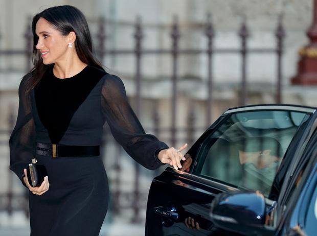 Фото №5 - Как герцогиня Меган меняет монархию одним жестом
