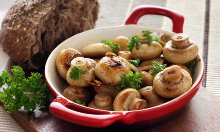 Фото №1 - Блюда с грибами по европейским рецептам