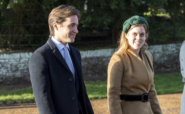 Фото №2 - Тайная свадьба принцессы Беатрис: внучка Королевы вышла замуж