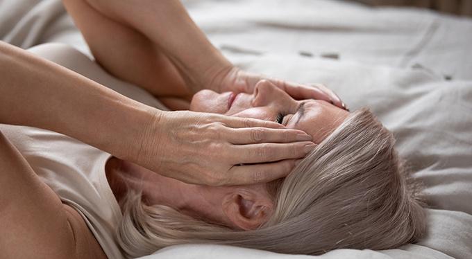 Климакс под контролем: как перестать нервничать, хорошо высыпаться, сохранять здоровье и красоту?