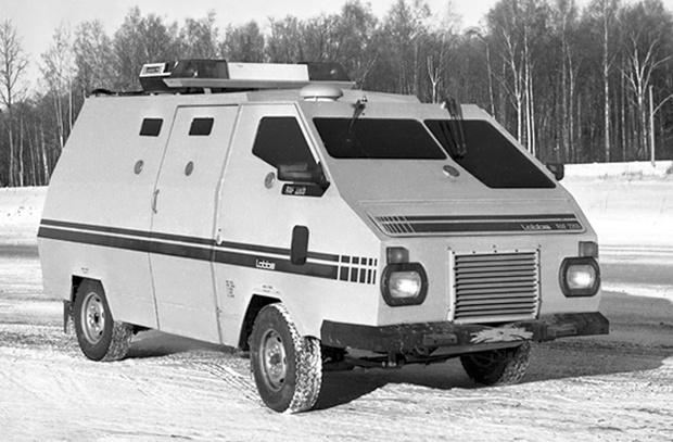 Фото №1 - Бумажный танк: как в СССР построили первый инкассаторский броневик