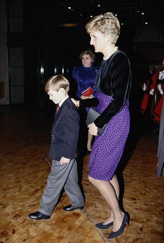 Фото №6 - Материнские инстинкты: в чем Кейт Миддлтон копирует принцессу Диану