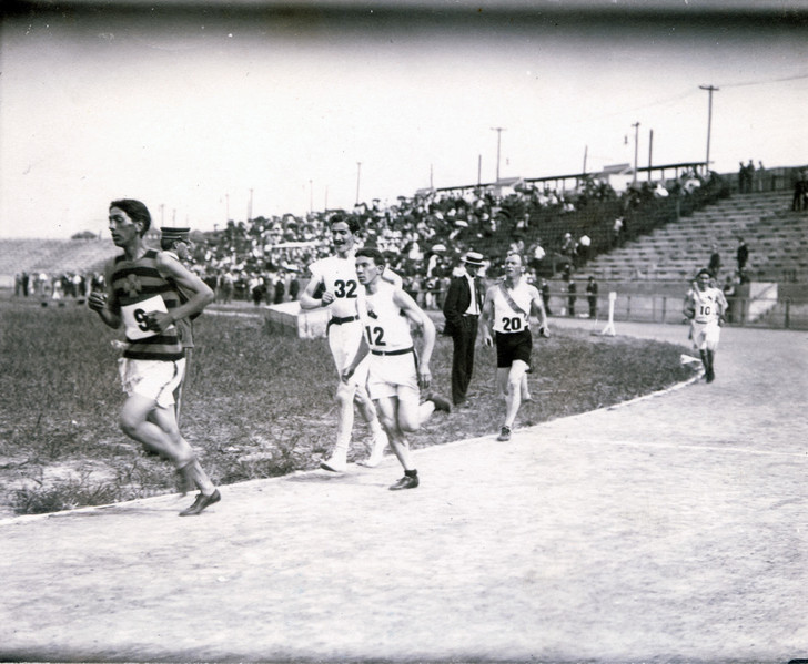 Фото №6 - Олимпийский марафон 1904 года: комедия абсурда и сюжет для Тарантино