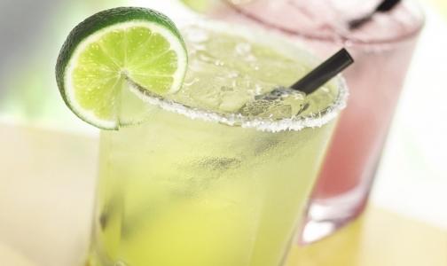 Фото №1 - Алкоголь вредит диете
