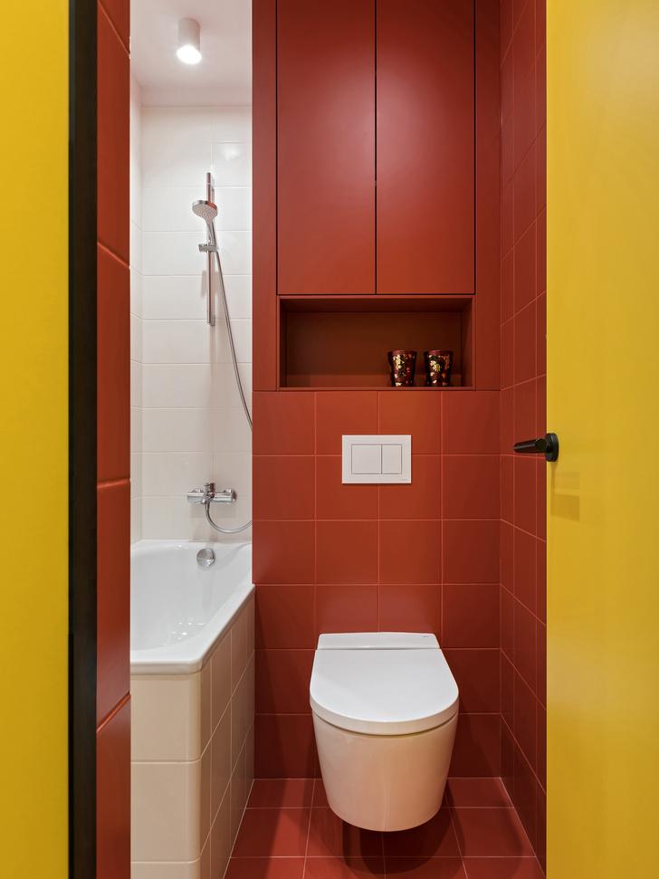 Фото №9 - Цветная студия 25 м² с кроватью на подиуме