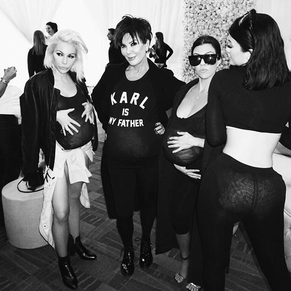 Фото №2 - So cute! Канье устроил вечеринку в честь дня рождения Ким