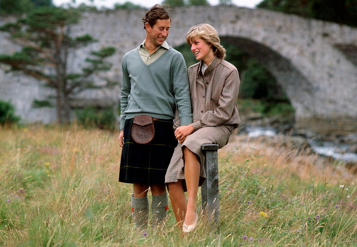 Фото №2 - Недовольство принцессы: почему Диана не любила фотографироваться вместе с Чарльзом