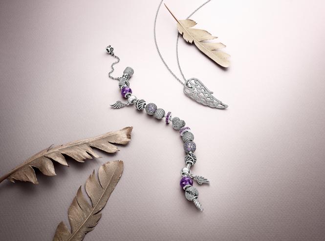 Фото №3 - Волшебное королевство: новая коллекция украшений Pandora