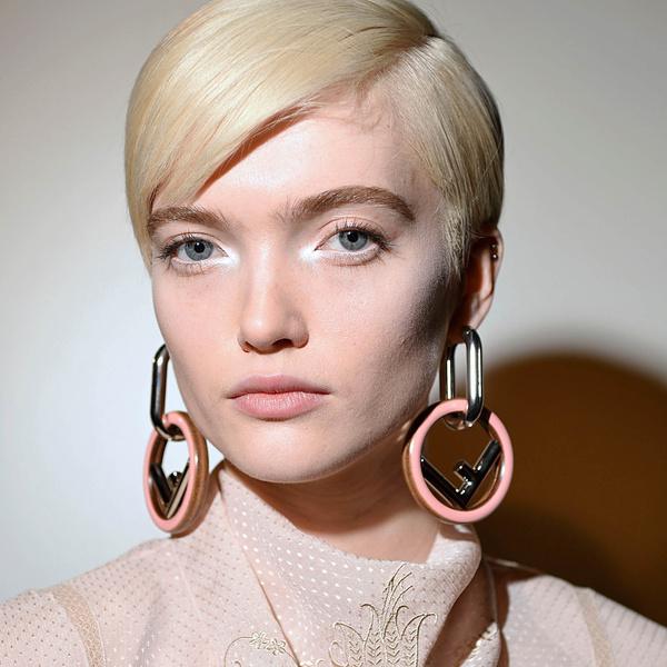 Фото №1 - Полезный тренд: как с помощью макияжа визуально увеличить глаза