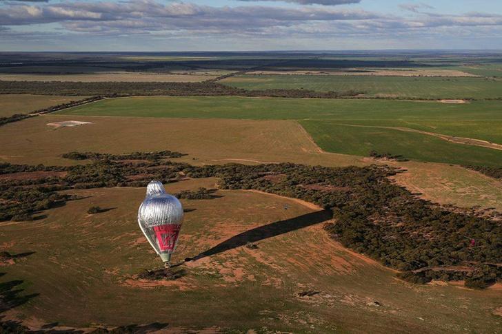 Фото №1 - Конюхов завершил кругосветку на воздушном шаре, установив мировой рекорд