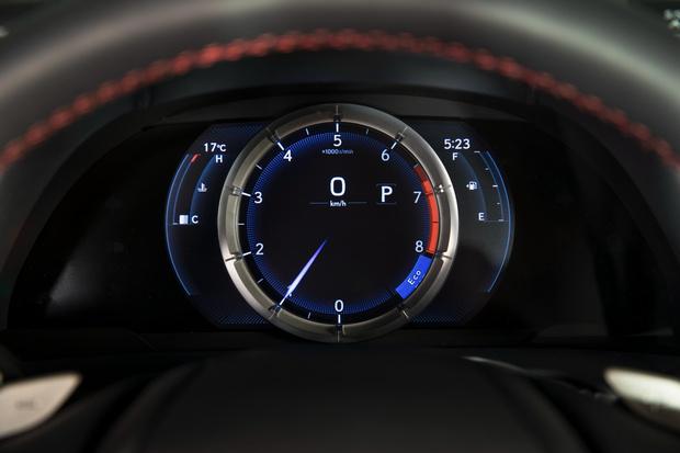 Фото №6 - Пять причин полюбить Lexus ES350