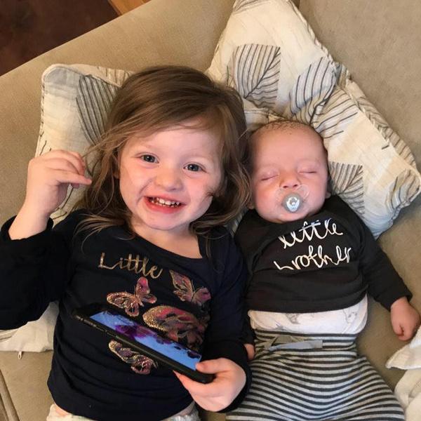 Маленький Тедди с сестренкой