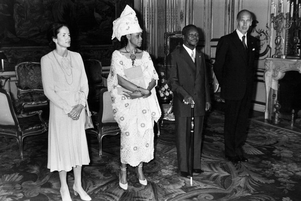 Фото №3 - Кровавые бриллианты, измены и расстрел: как сложились судьбы жен диктаторов XX века